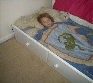 Çocuk kendi yatağına nasıl alışır