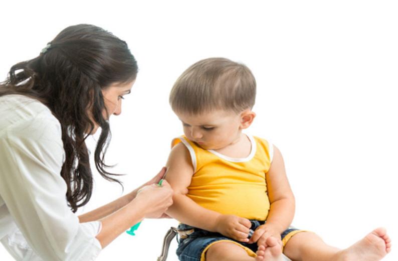 Rutin çocuk aşılarının yan etkileri